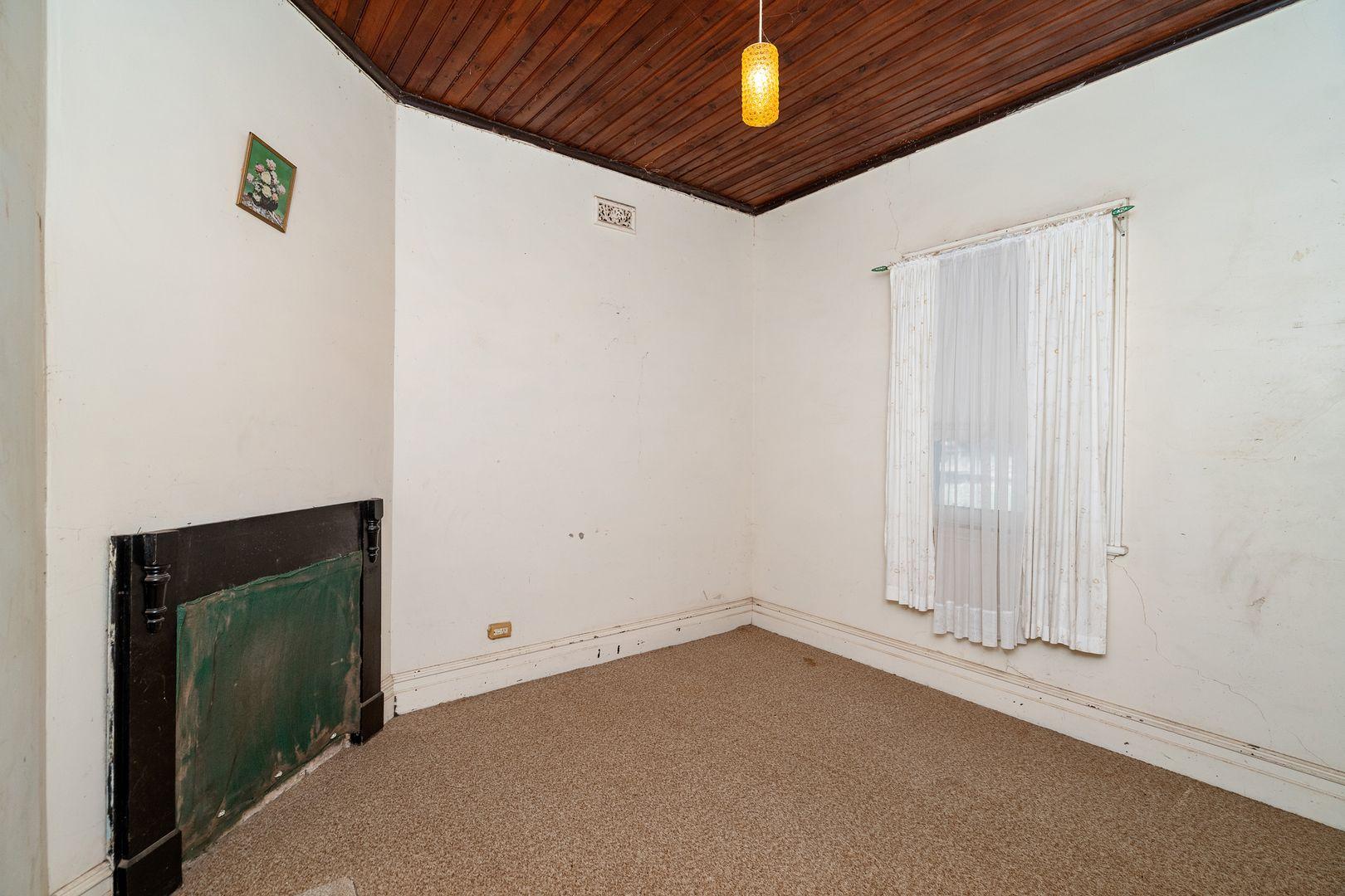 28 McGregor Street, Temora NSW 2666, Image 2