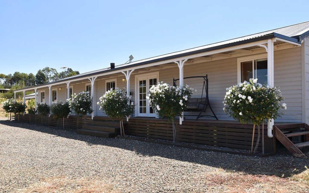 326 Olympic Highway (North), Young NSW 2594, Image 0
