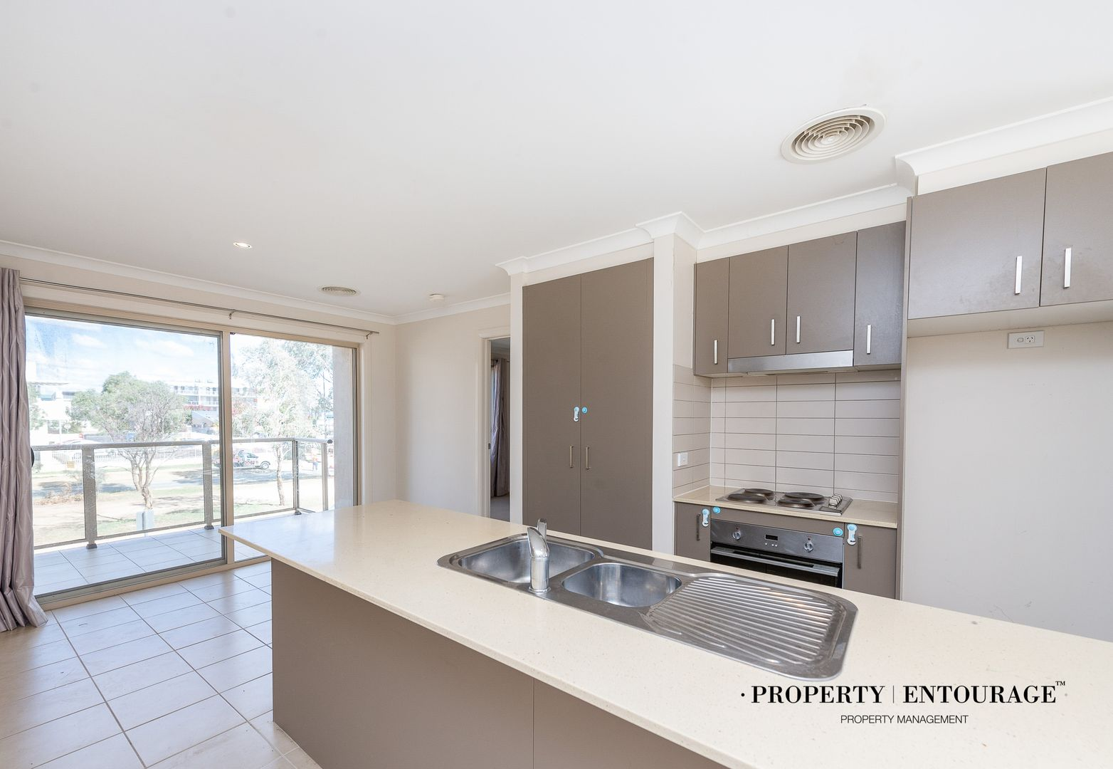 85a Anthony Rolfe Avenue, Gungahlin ACT 2912, Image 2