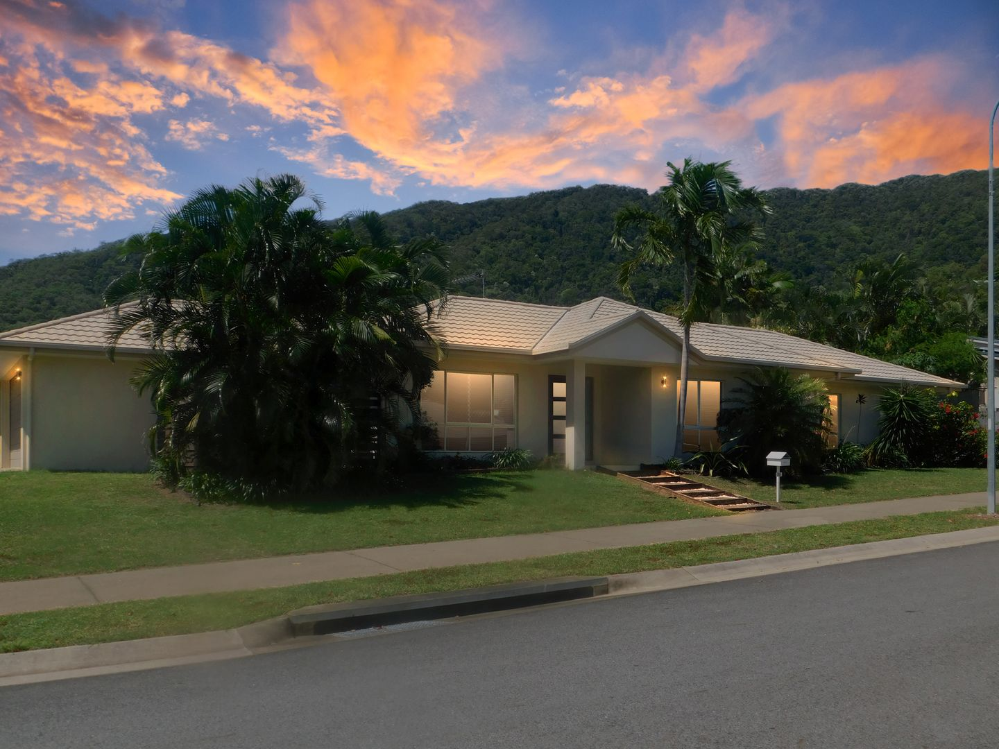 25 Hideaway Close, Palm Cove QLD 4879, Image 0