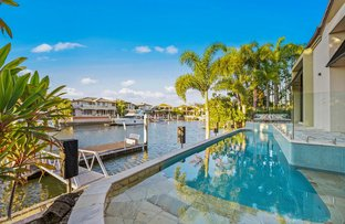 Picture of 9 Queen Guineveres Place, Sovereign Islands QLD 4216