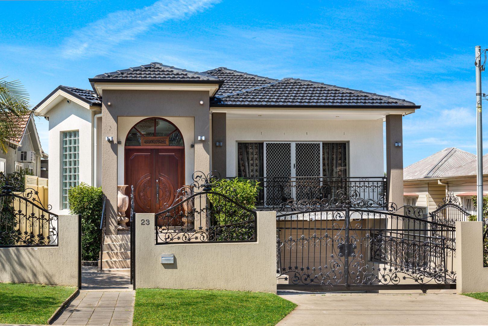 23 Lascelles avenue, Greenacre NSW 2190, Image 0