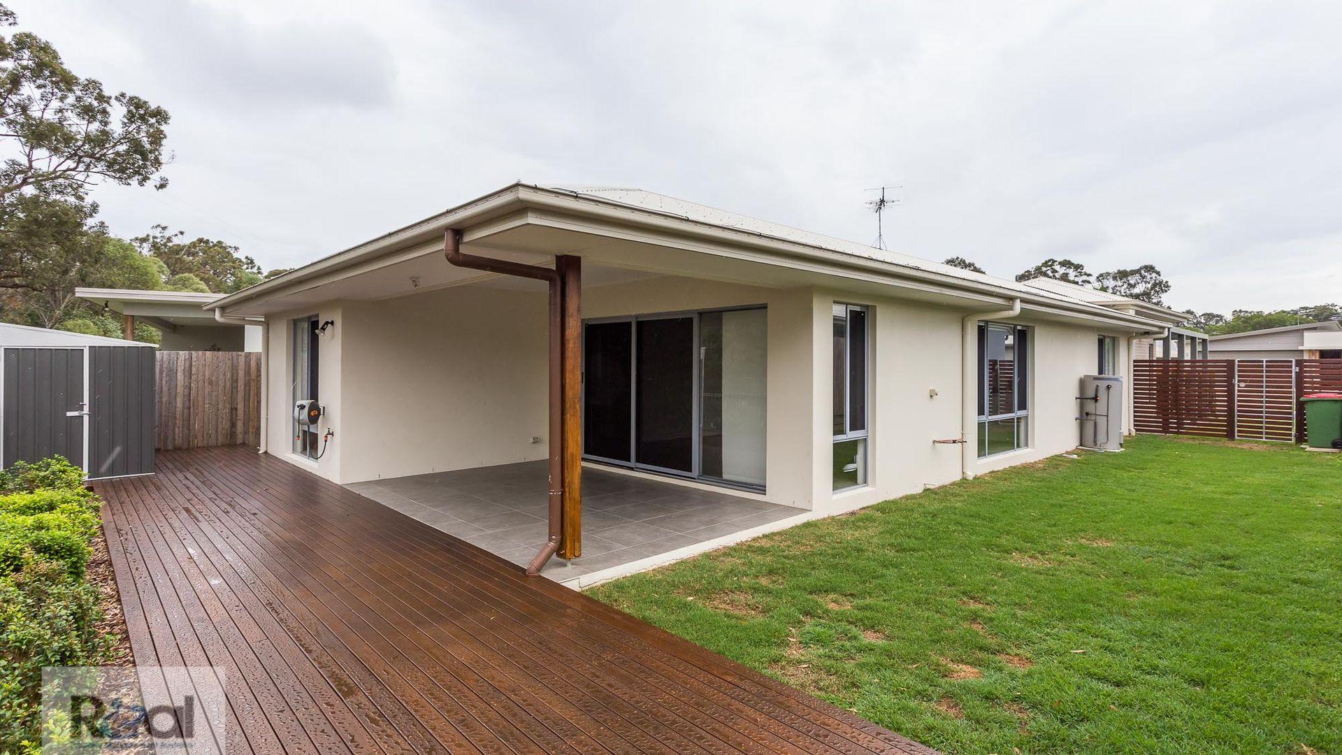 8 Mapleton Cres, Capalaba QLD 4157, Image 5