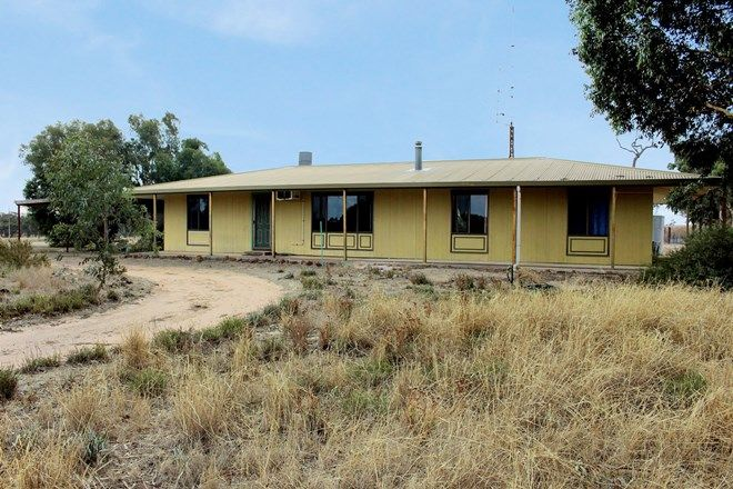 Picture of 1099 Langley Road, PINE HILL SA 5269