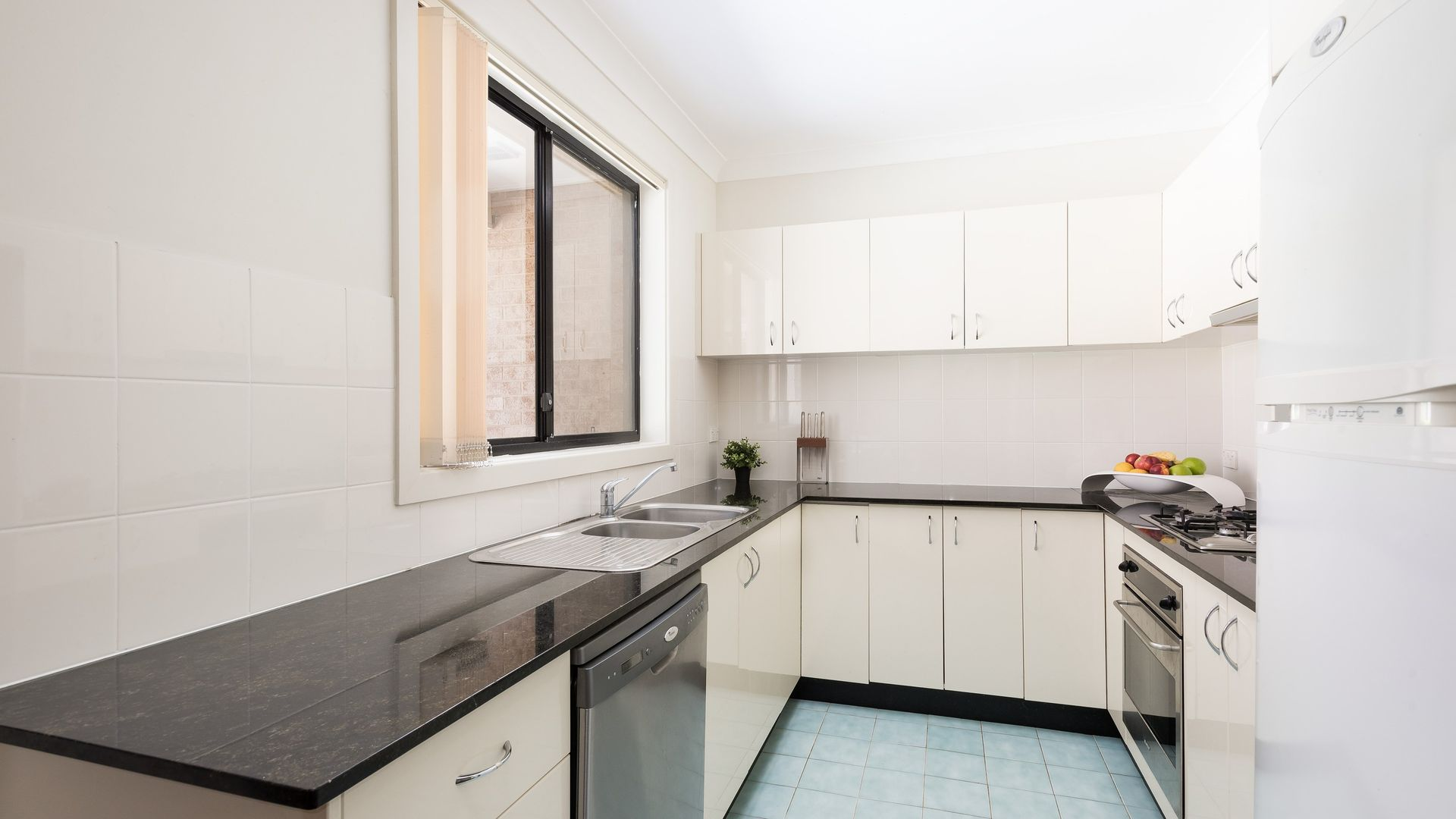 2/60-64 Merton Street, Sutherland NSW 2232, Image 2