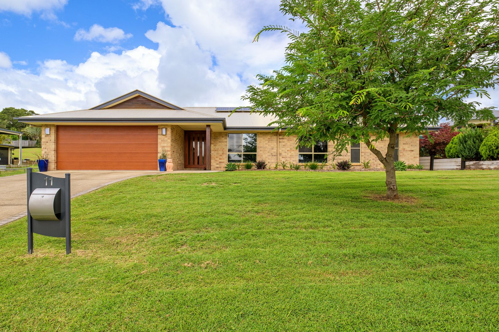 11 Deakin Court, Southside QLD 4570, Image 0