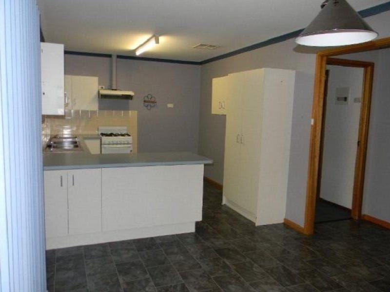 40 Hermit Street, Roxby Downs SA 5725, Image 2