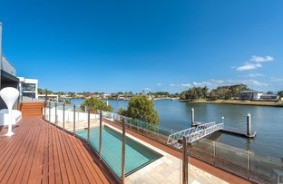 Picture of 113 Sir Bruce Small Boulevard, Benowa Waters QLD 4217