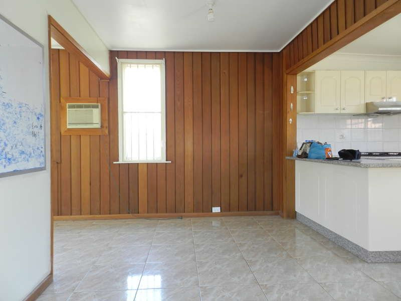 7 Unwind Rd, Cabramatta West NSW 2166, Image 2