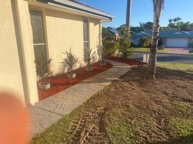 9 Castle Rock Street, Parkwood QLD 4214, Image 2