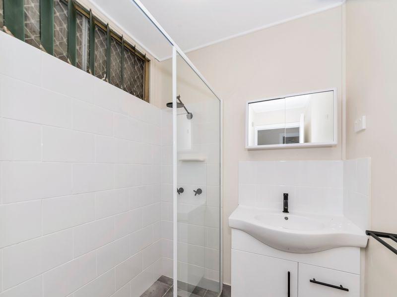 6 Snelham Street, Rosslea QLD 4812, Image 2