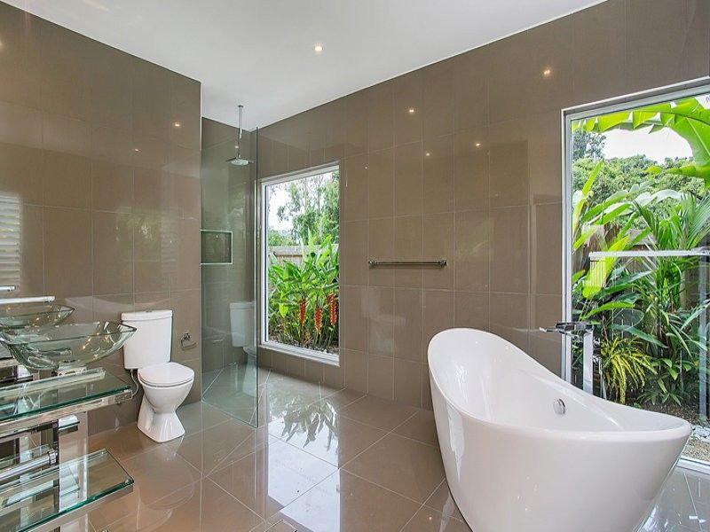11 Silver Cres, Palm Cove QLD 4879, Image 2