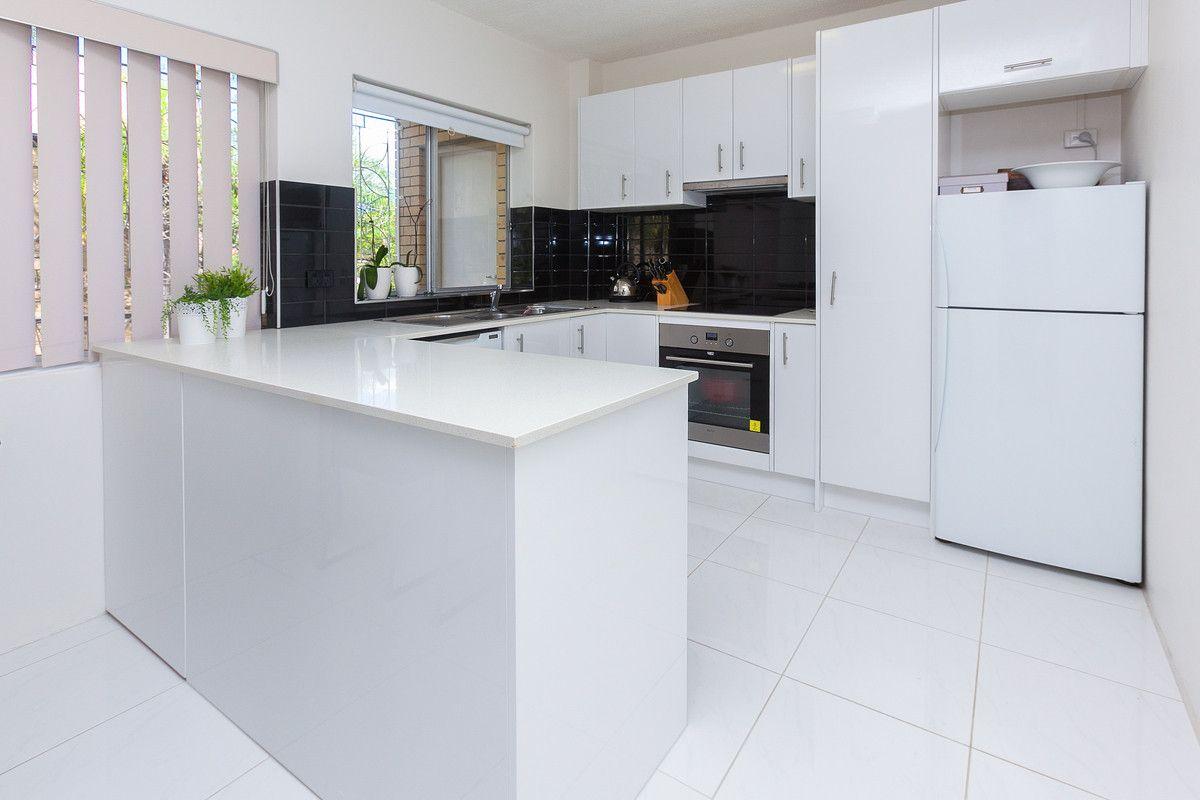 1/60 Sisley Street, St Lucia QLD 4067, Image 2