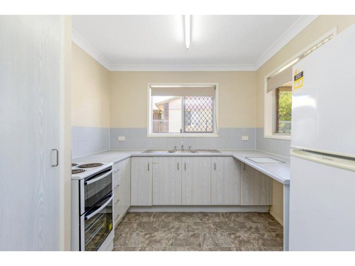 2/4 O'Shanesy Street, Koongal QLD 4701, Image 1