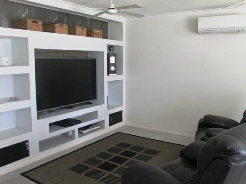 14 Edward Street, Boyne Island QLD 4680, Image 2