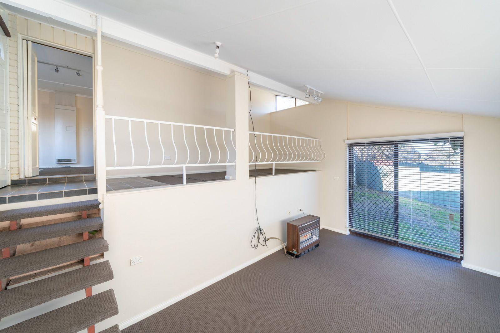 14 De Clouett Place, Windradyne NSW 2795, Image 2