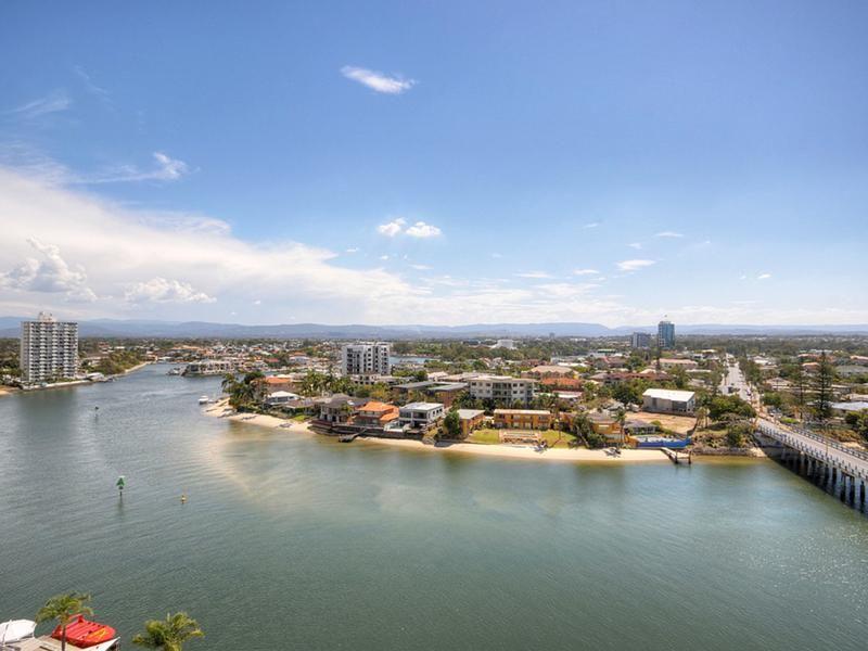 40 Ferny Avenue, Surfers Paradise QLD 4217, Image 2