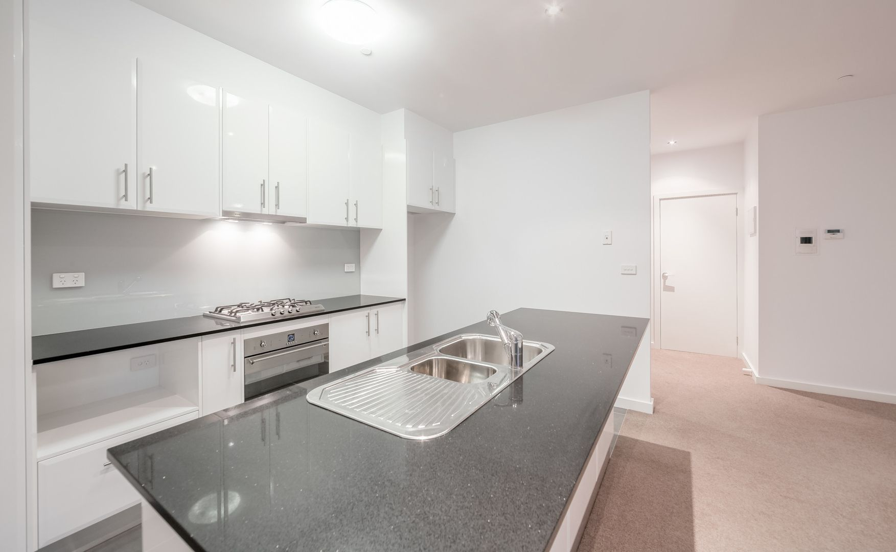 9/107 Whittens Lane, Doncaster VIC 3108, Image 2