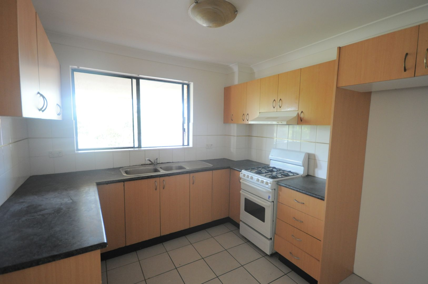 15/180 Chapel Road, Bankstown NSW 2200, Image 2