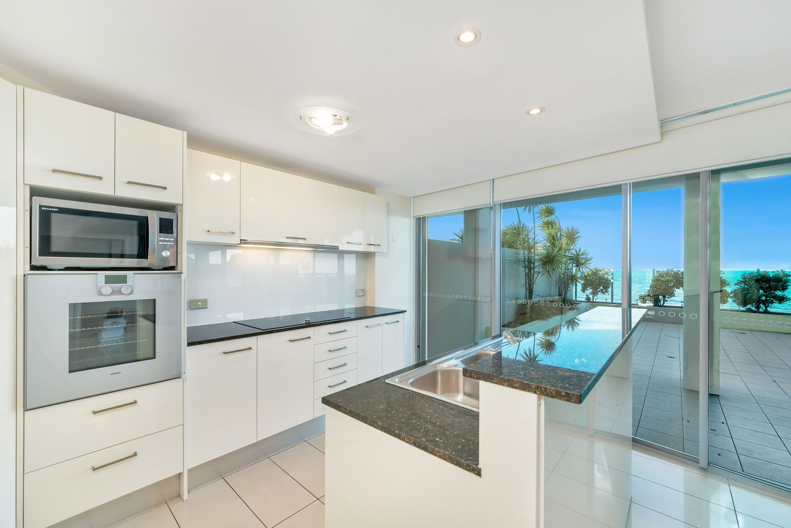 6-12 Oxley Avenue, Woody Point QLD 4019, Image 1