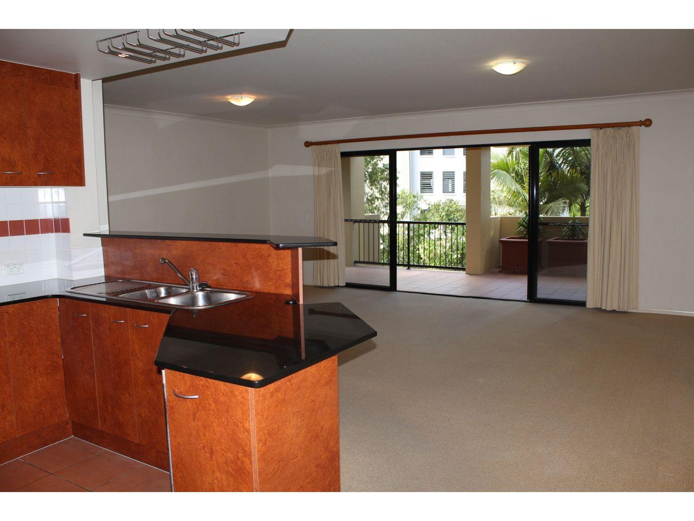 7/64 Lambert Street, Kangaroo Point QLD 4169, Image 2