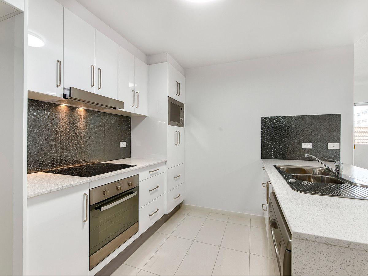 2/17 Norman Street, Wooloowin QLD 4030, Image 0