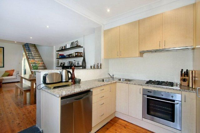 31 Commodore Street, Newtown NSW 2042, Image 2