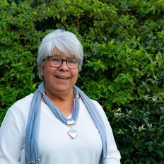 Lyn Cornish, Sales Consultant
