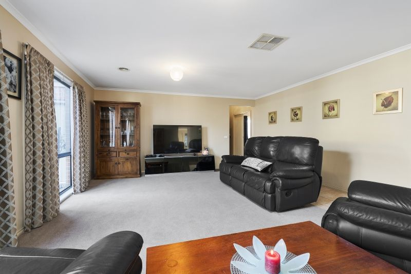 52 Conquest Drive, Werribee VIC 3030, Image 2