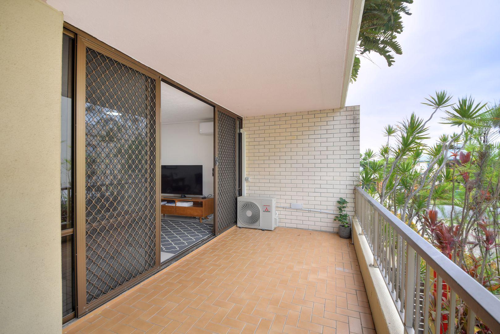 Unit/5-7 Lavarack Road, Mermaid Beach QLD 4218, Image 2