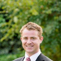 Lees Standley, Sales representative