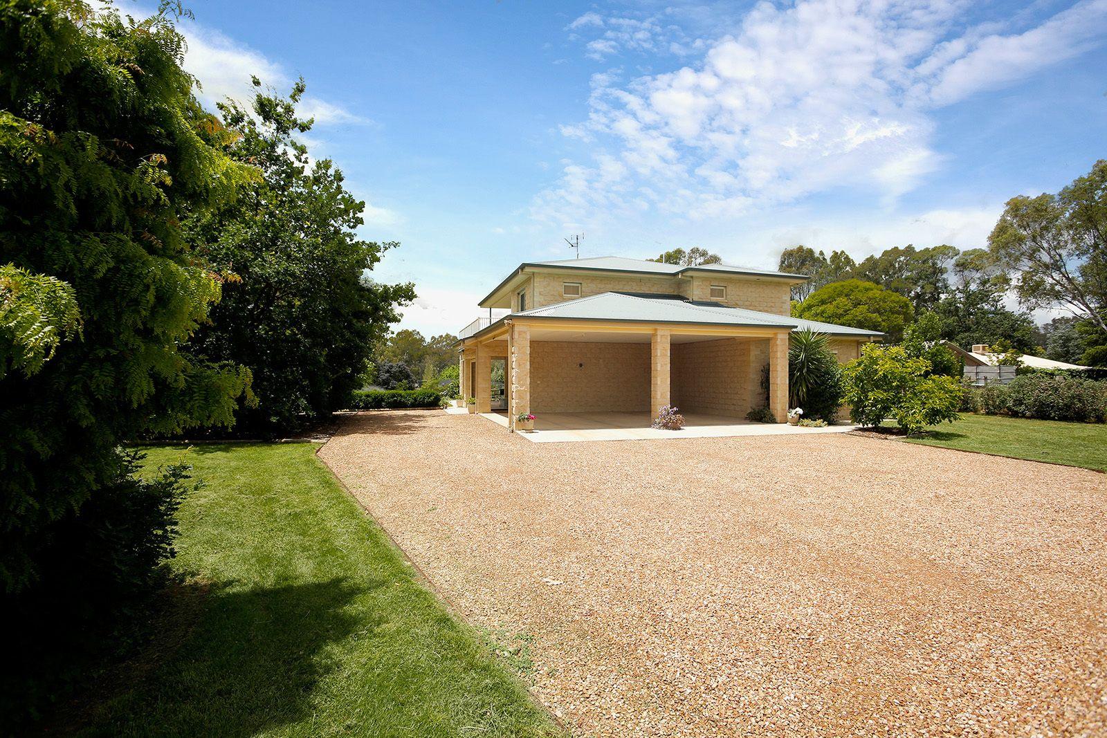 49 Grant Drive, Benalla VIC 3672, Image 1
