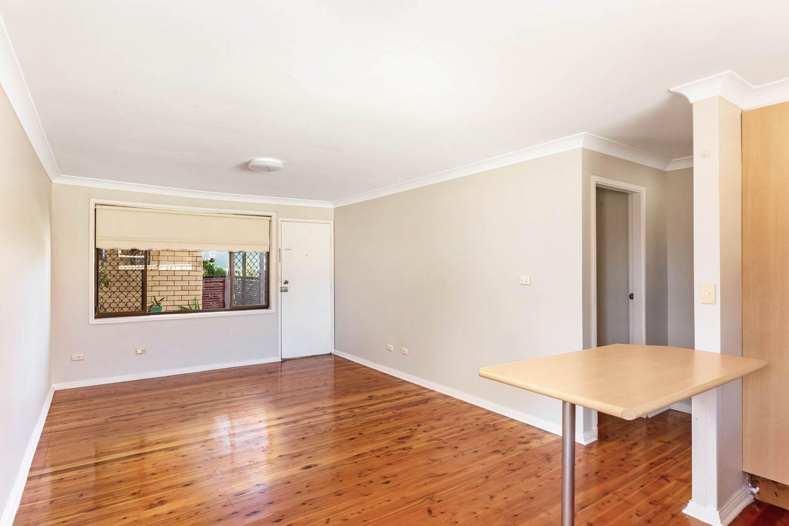 2/4 Lyne Street, Oak Flats NSW 2529, Image 1