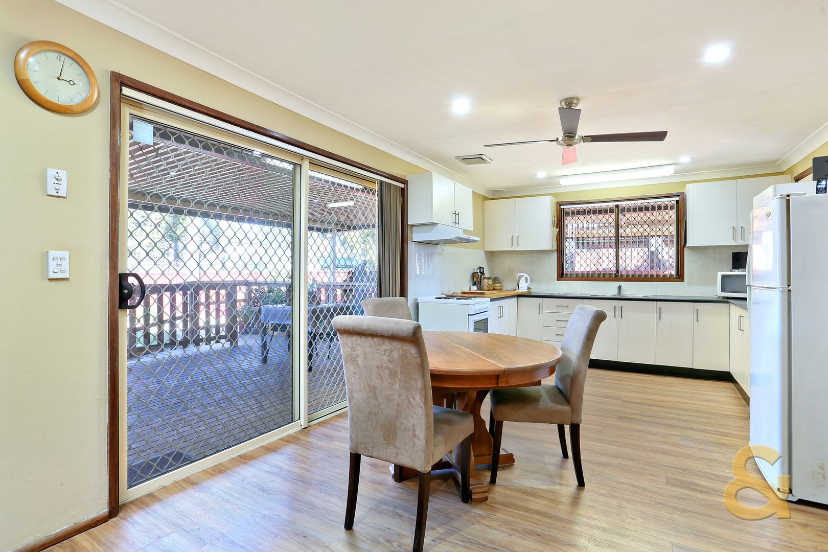 10 Caines Crescent, St Marys NSW 2760, Image 2