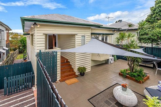 Picture of 14 Dunellan Street, GREENSLOPES QLD 4120