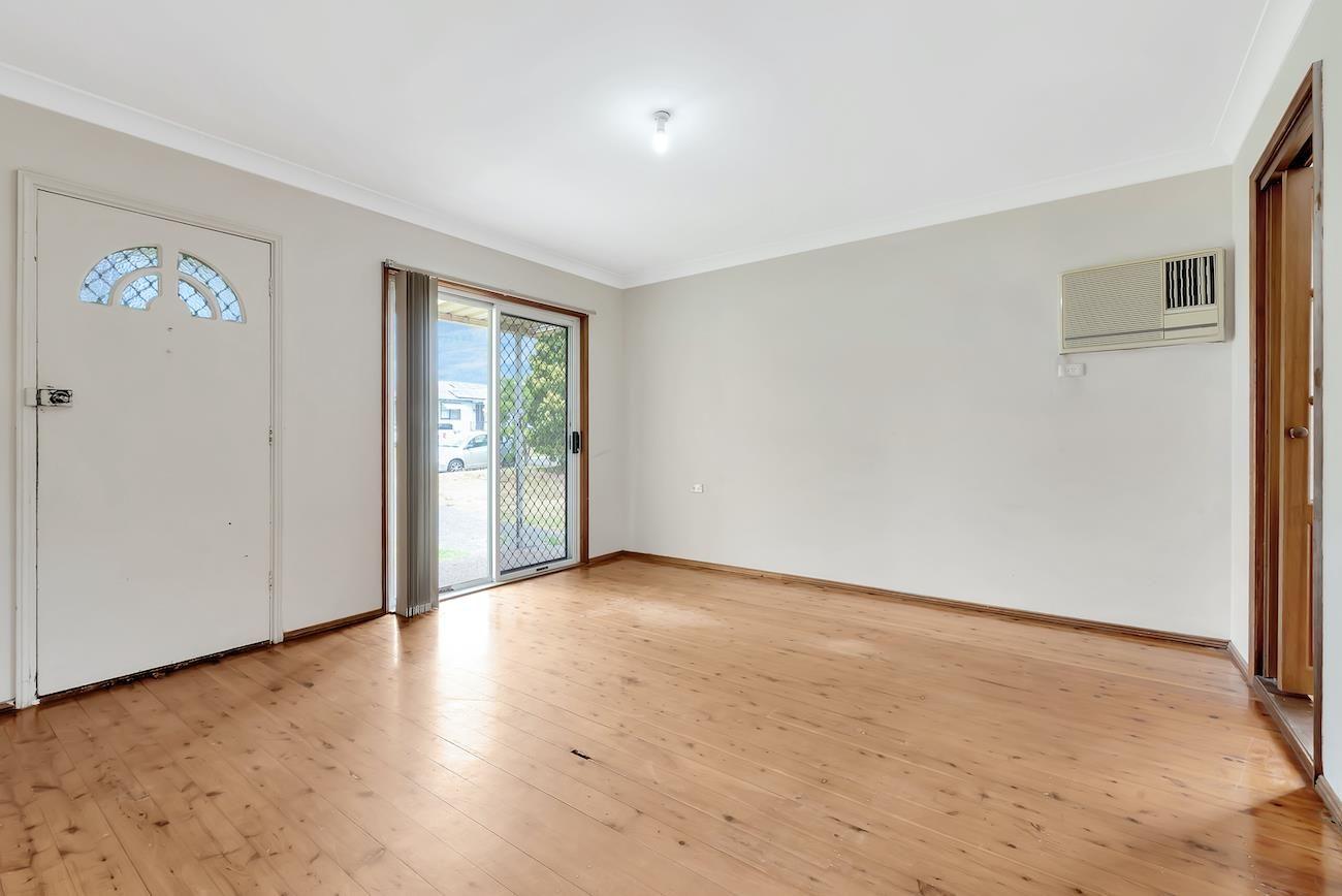 9 Quiros Avenue, Fairfield West NSW 2165, Image 1