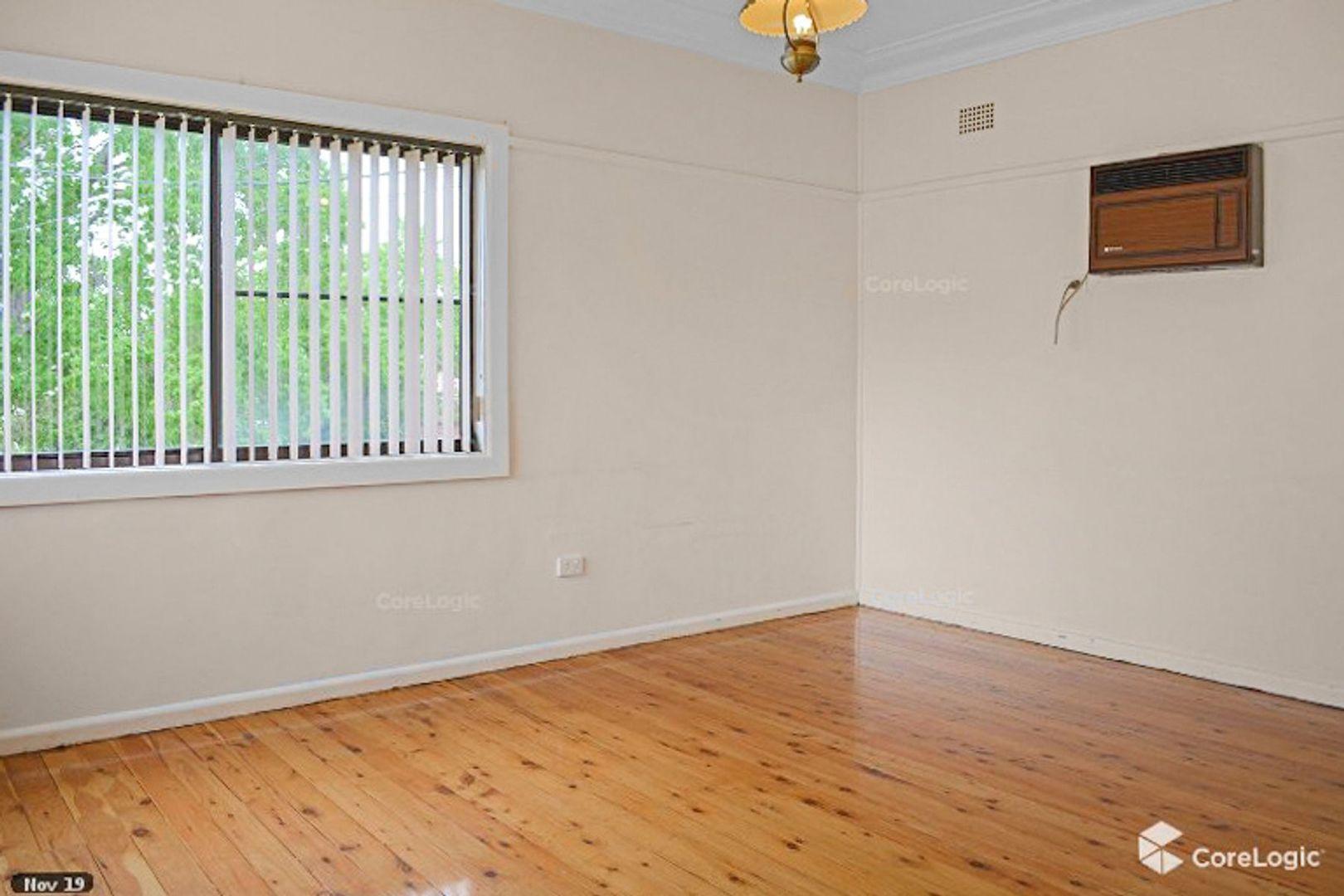 62 Linda Street, Fairfield Heights NSW 2165, Image 2