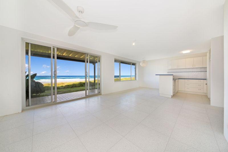 1/143 Hedges Avenue, Mermaid Beach QLD 4218, Image 1