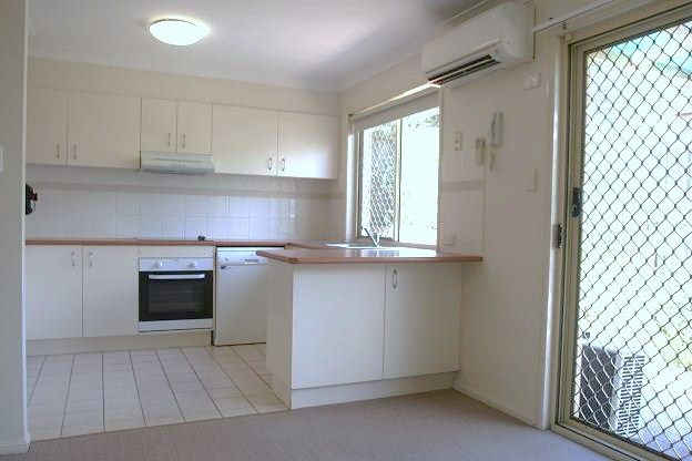 32/10 Chapman Place, Oxley QLD 4075, Image 2