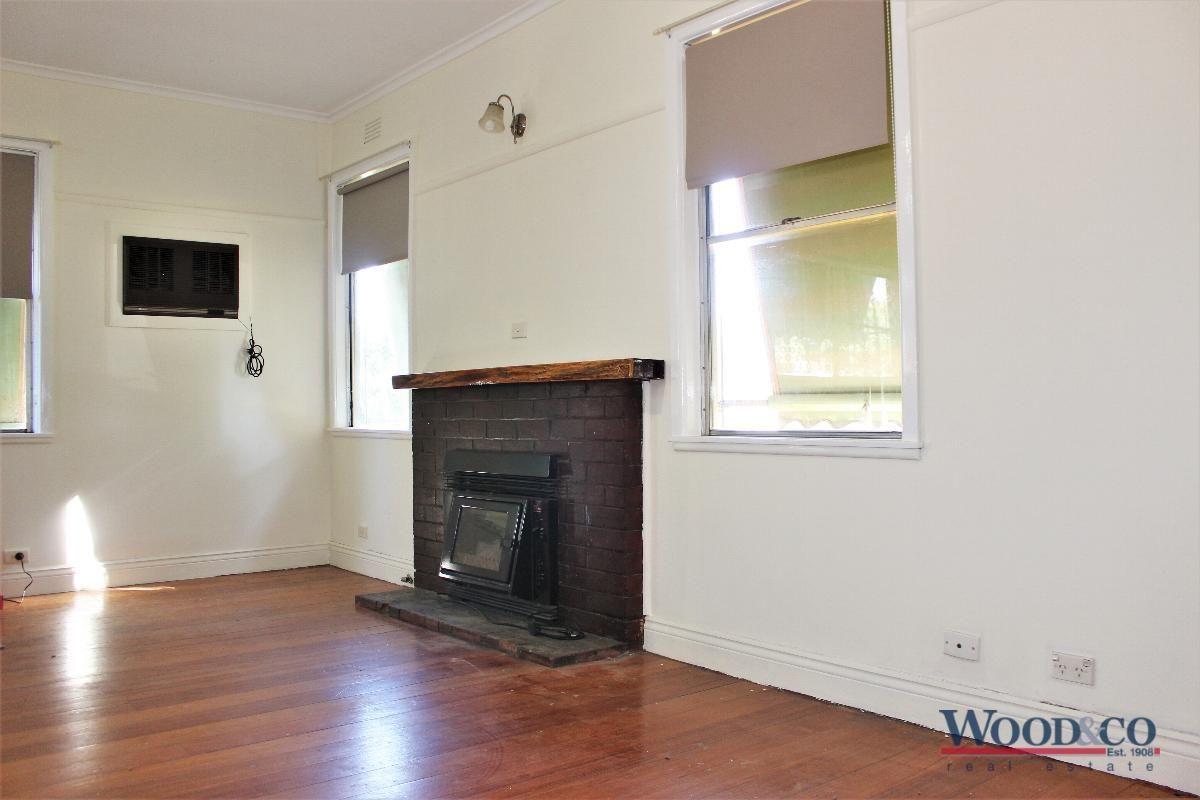 27 Mulbar Street, Swan Hill VIC 3585, Image 2