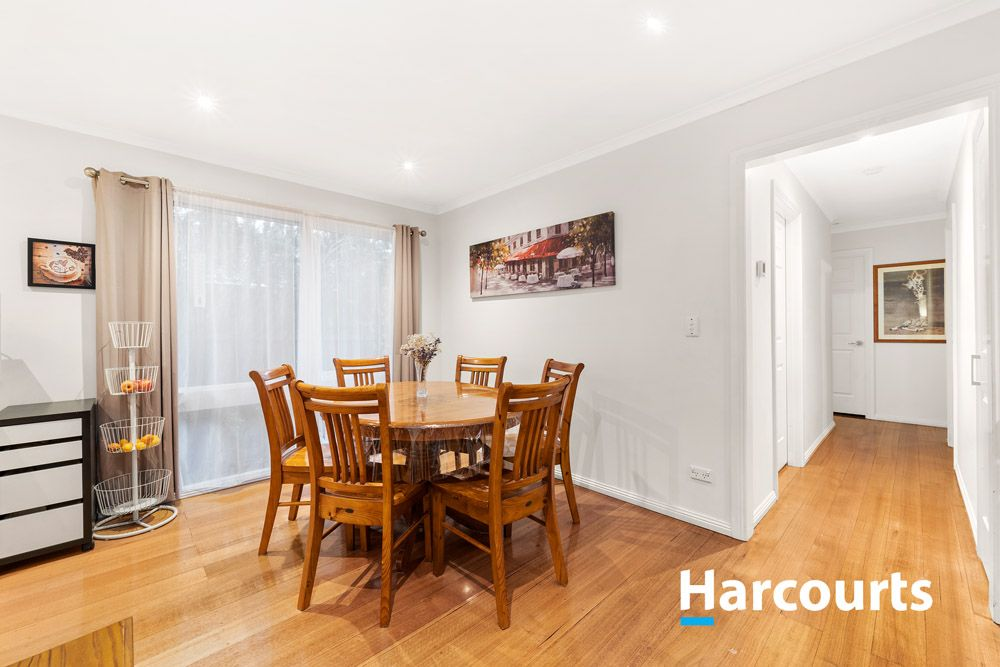 19 Hartington Drive, Wantirna VIC 3152, Image 2