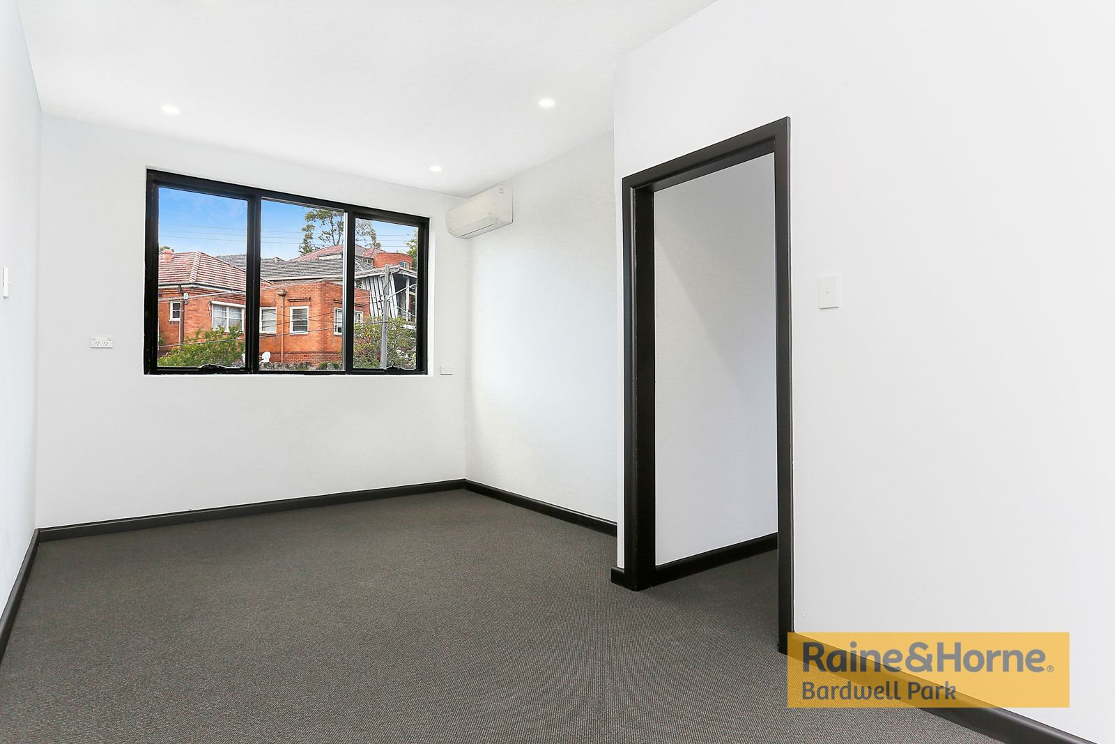 2/1 Hartill-Law Avenue, Bardwell Park NSW 2207, Image 2