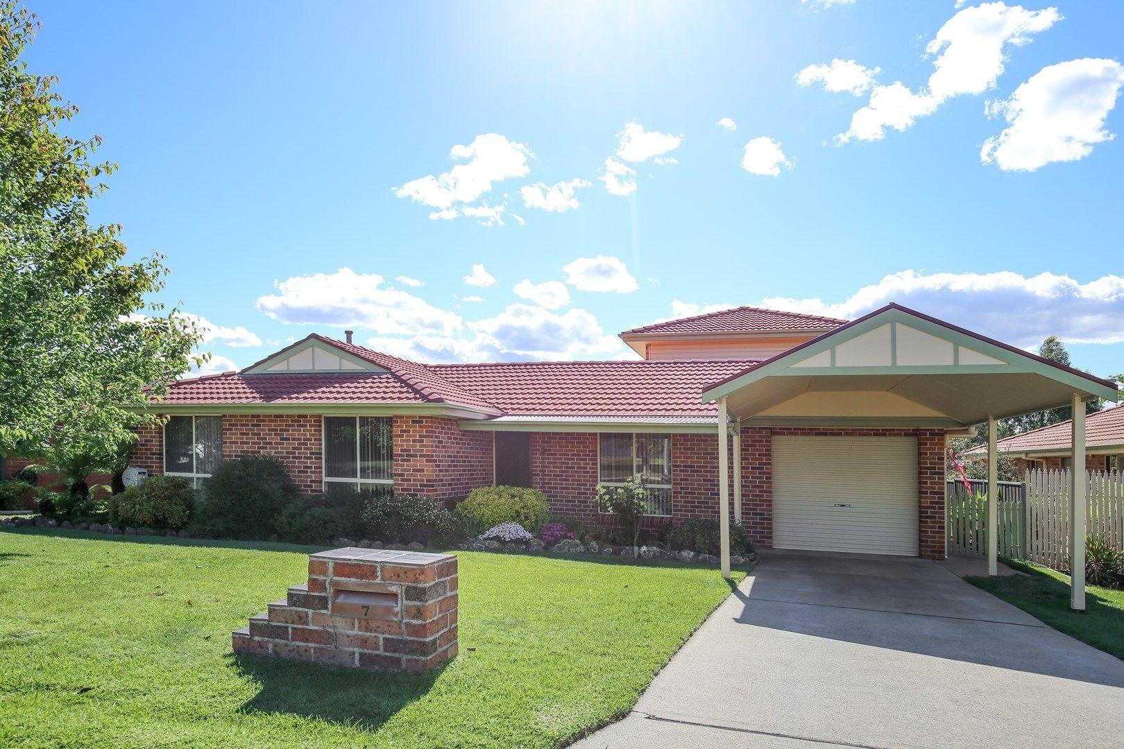 7 Taronga Avenue, Orange NSW 2800, Image 0
