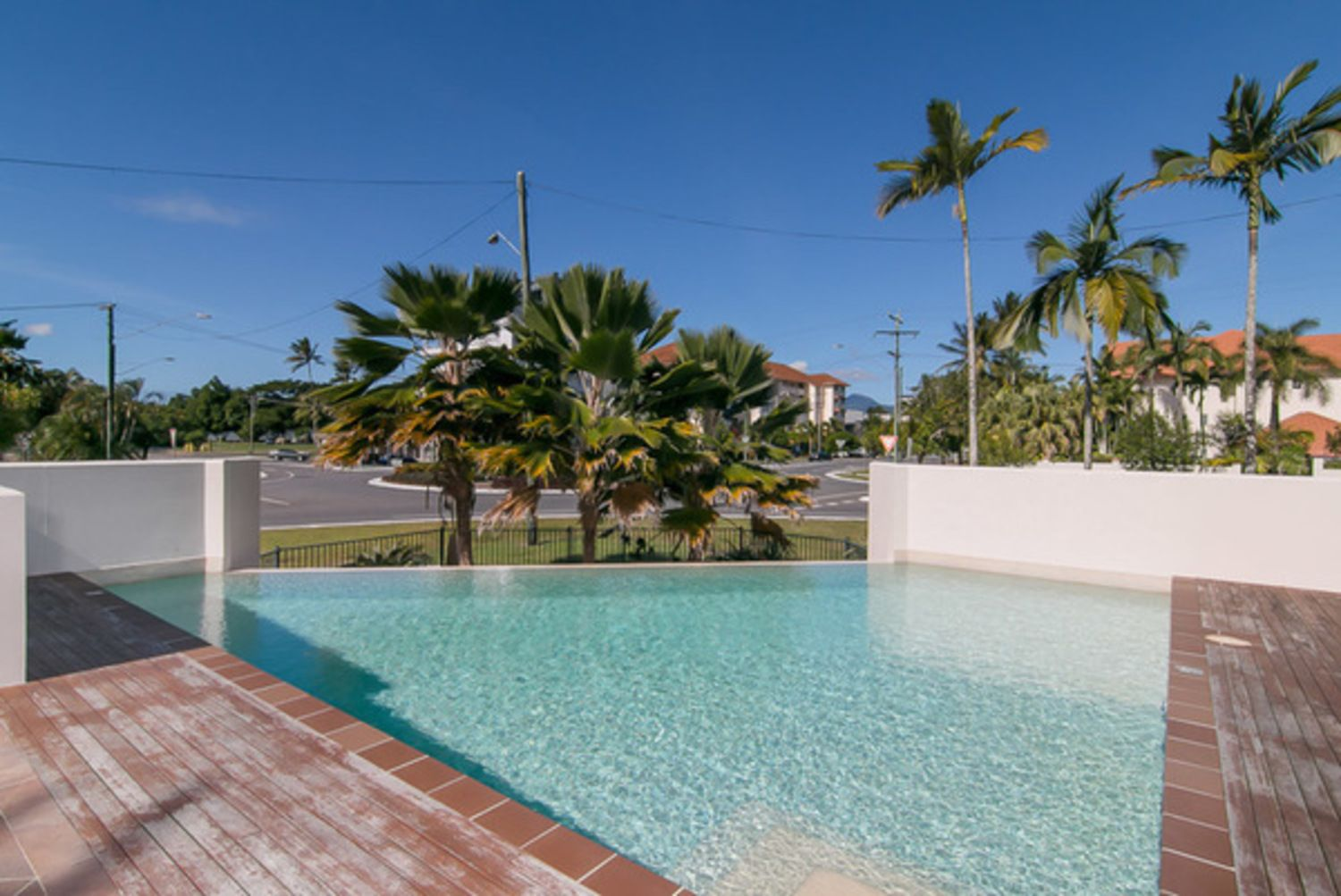 302/92-98 Digger Street, Cairns North QLD 4870, Image 2