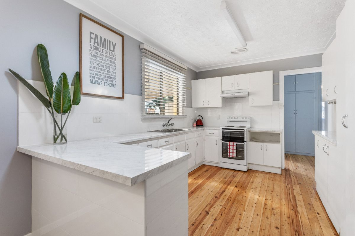 237 West Street, Harristown QLD 4350, Image 1