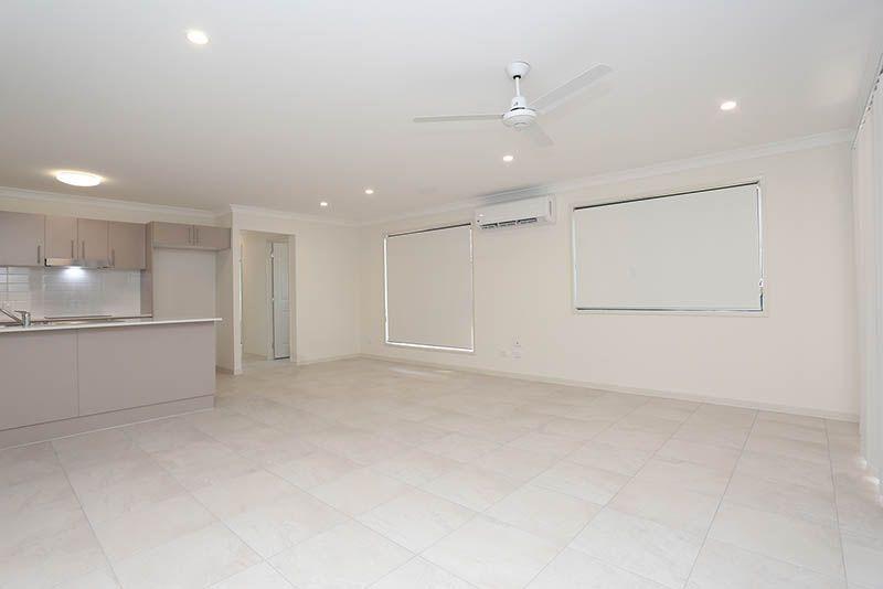 1/15 Chikameena Street, Logan Reserve QLD 4133, Image 2