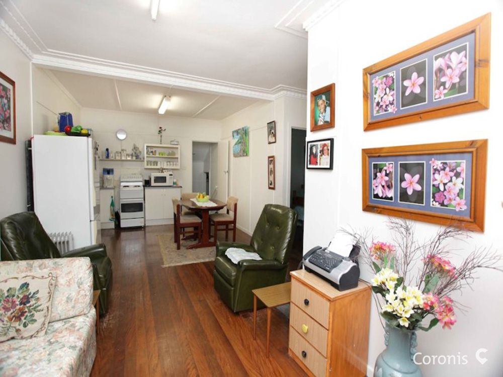 6 Fifth Avenue, Scarborough QLD 4020, Image 1