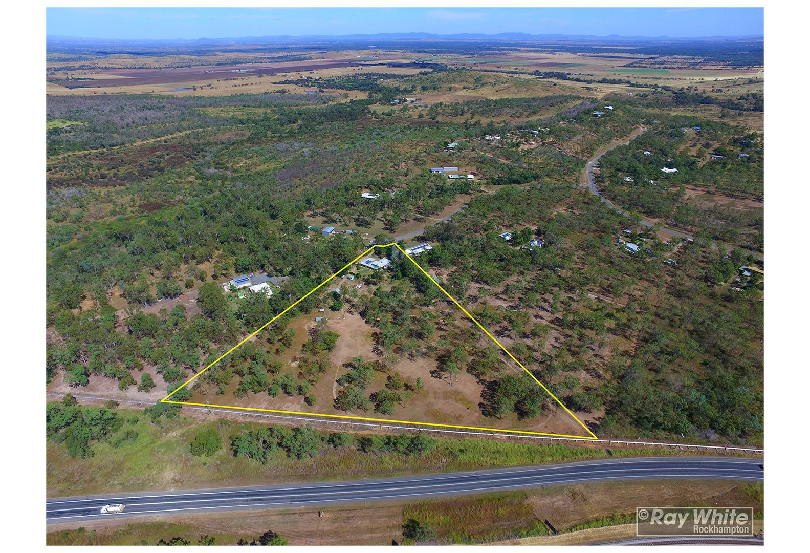 33 Rhys Avenue, The Caves QLD 4702, Image 2