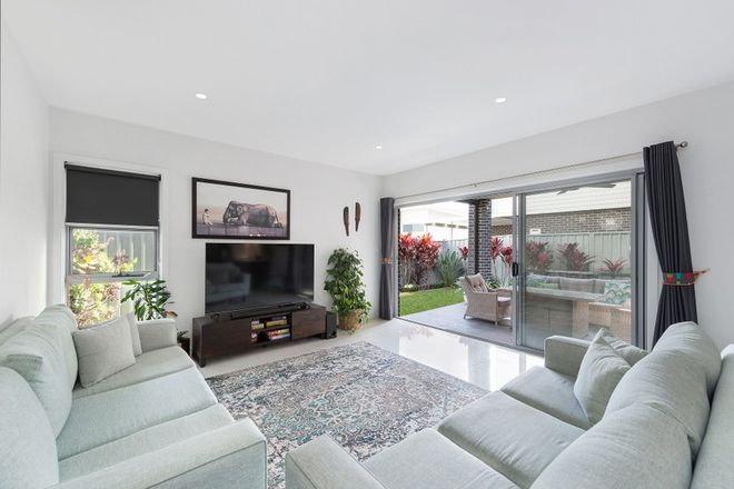 Picture of 17 National Avenue, SHELL COVE NSW 2529
