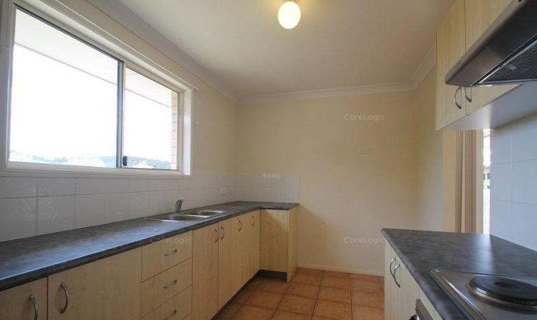 30 Skinner Crescent, Silkstone QLD 4304, Image 2